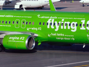 Kulula_ZS-ZWP_02_Flying-101